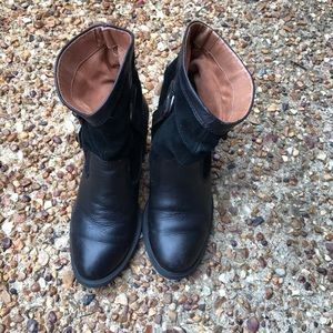 Lucky Brand black leather ankle western boots